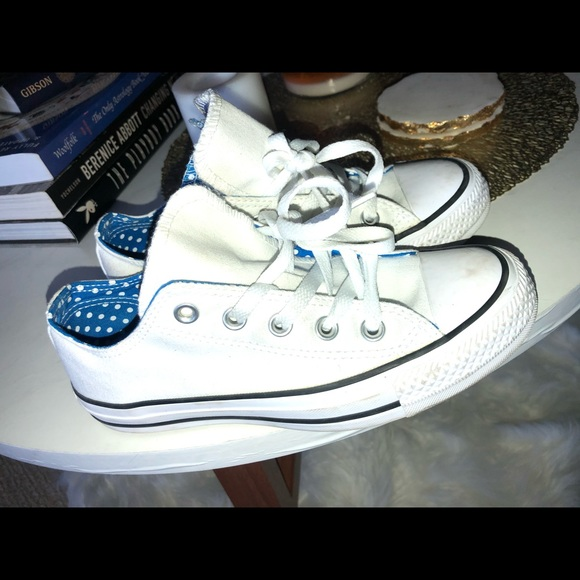 Converse sneakers size 5